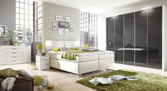 schlafzimmer in anthrazit und wei mit boxspringbett tramonti. Black Bedroom Furniture Sets. Home Design Ideas
