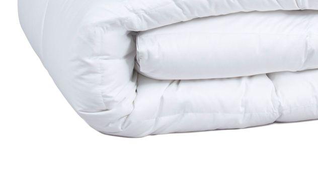 Daunen Bettdecke Pyrenex Premium warm mit Satin Baumwoll-Bezug