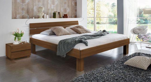 Nussbaumfarbenes Doppelbett Madrid Komfort in 25 cm Höhe