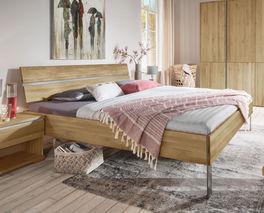 Doppelbett Nidau aus Wildeichenholz in 180x200 cm