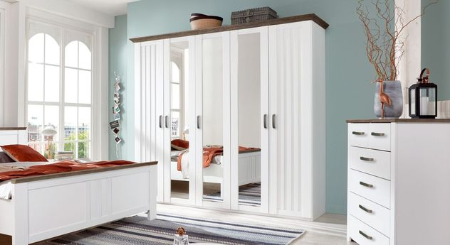 Drehtüren-Kleiderschrank Balero mit großzügigen Spiegeltüren