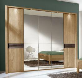 Drehtüren-Kleiderschrank Burbia mit schicken Holztüren