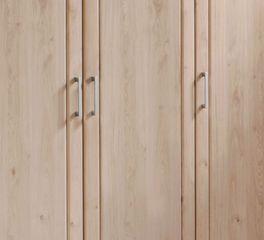 Drehtüren-Kleiderschrank Herdorf mit schmalen Metallgriffen