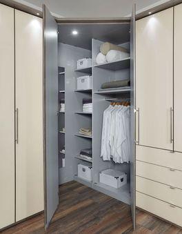 Eck-Kleiderschrank Tiko mit Drehtüren am Eckelement