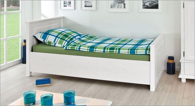 Weiß lackiertes Einzelbett Wien aus Massivholz