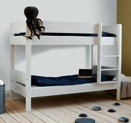 Preiswertes Bett Tacora mit massiven Buchenpfosten