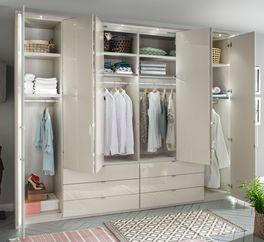Funktions-Kleiderschränke Elmira und Harrow mit Einlegeböden und Kleiderstangen