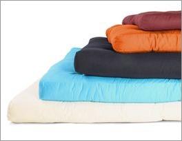 Große Farbauswahl für Futonmatratzen mit Baumwollbezug