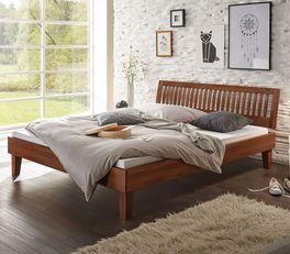 Holzbett Laredo mit lackierter Oberfläche