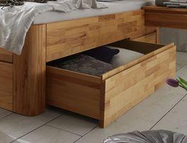 Holzliege mit abgerundeten Bettbeinen