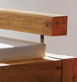 Bett Rustico mit Massivholz-Kopfteil aus Wildeiche