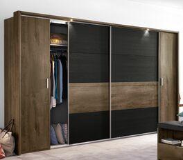 Kleiderschrank Gallinaro mit stylischen Griffleisten aus Metall