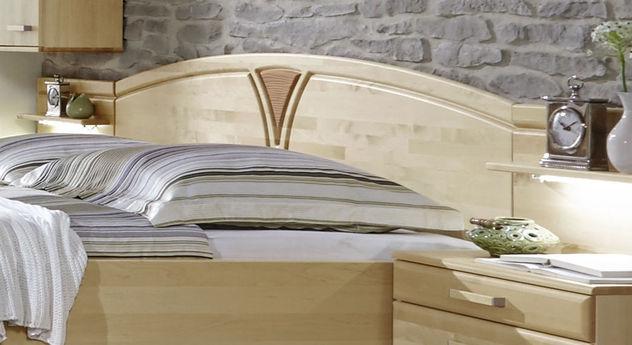 Komfort-Doppelbett Karia mit geschwungenem Kopfteil