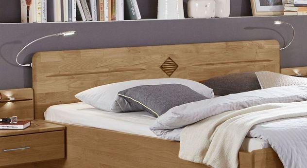 Komfortbett Aliano mit Zierfräsungen im Absetzfarbton im Kopfteil