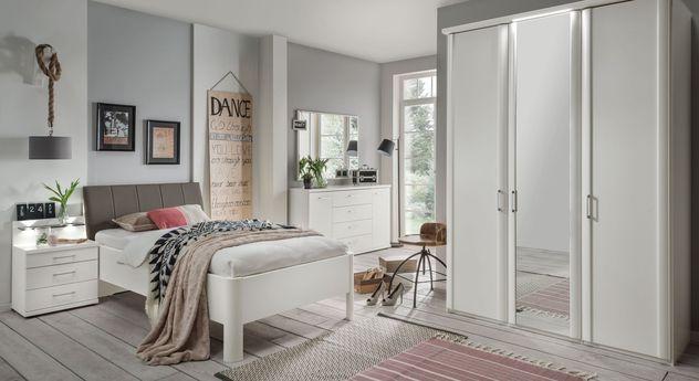 Komfortbett Castelli mit passender Schlafzimmer-Einrichtung