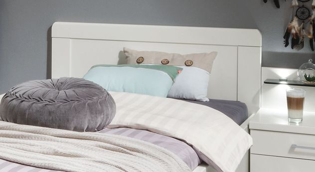 Komfortbett Cavallino mit Zierleisten am Kopfteil