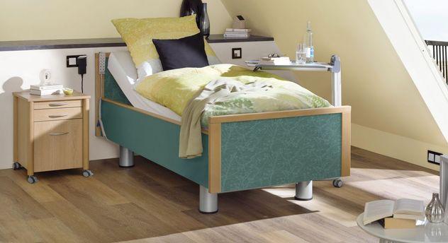 Komfortbett mit Pflegebett-Funktion Mainau mit gemustertem Stoff in Petrol