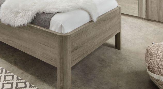 Stabiles Komfortbett Troia mit abgerundeten Bettbeinen