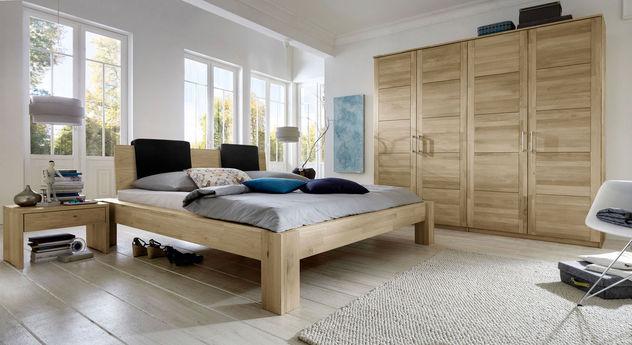 Hochwertiges Komplett-Schlafzimmer Nino aus Wildeichenholz