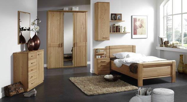 Klassisches Komplett-Schlafzimmer Toliara aus teilmassiver Erle