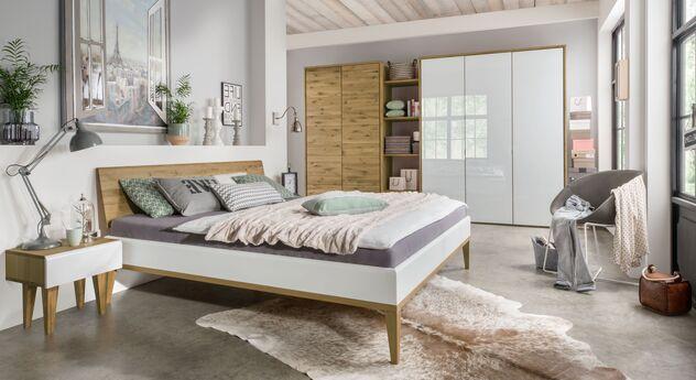 Komplett-Schlafzimmer Vacallo mit passenden Produkten