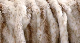 Kunstfasern für synthetische Pelze
