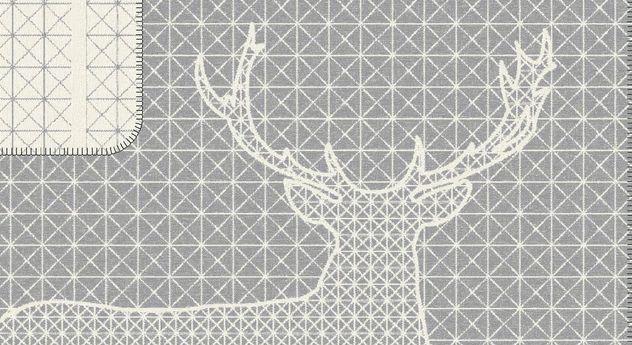 Kuscheldecke Majesty mit geometrischem Dessin