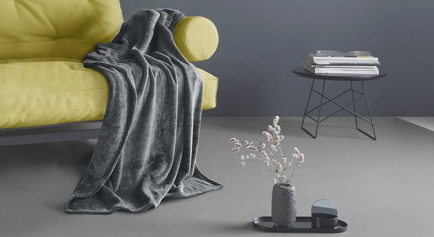 Melierte Kuscheldecke Quinara aus Polyester