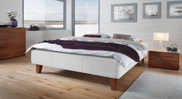 Liege Lopo mit passenden Schlafzimmer-Möbeln
