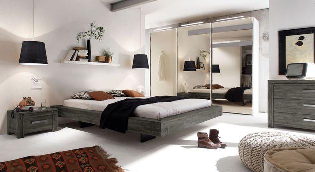 Liege Penco mit passender Schlafzimmer-Ausstattung