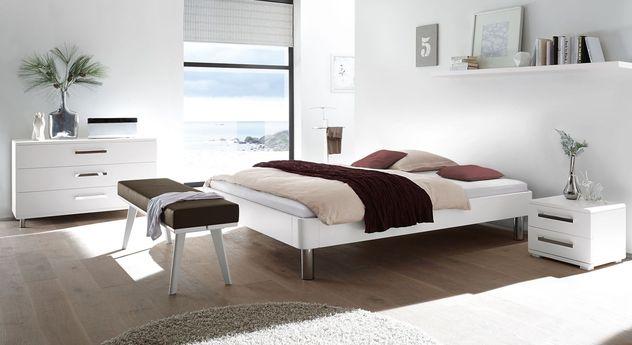 Moderne Liege Perama mit passenden Möbeln