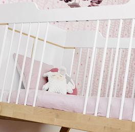 LIFETIME Babybett Monina mit Schlupfsprossen auf beiden Seiten