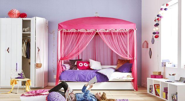 LIFETIME Himmelbett Wunderland inklusive pinkem Vorhang