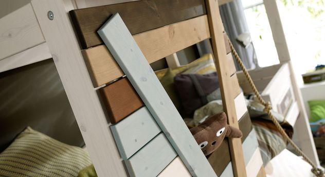 Hütten-Hochbett LIFETIME Survival mit massiver Fenster-Front