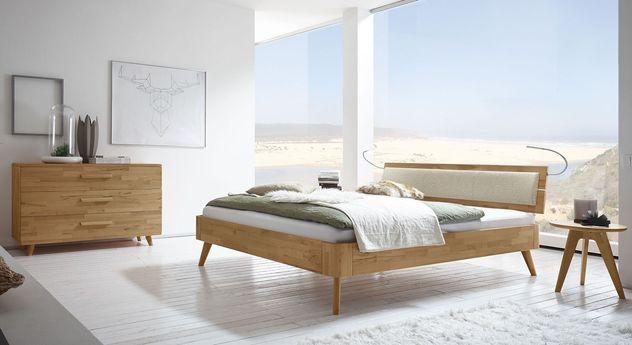 Massivholzbett Minoa mit passenden Schlafzimmermöbeln