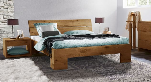 Massivholz-Bett Titao aus naturfarbener Wildeiche