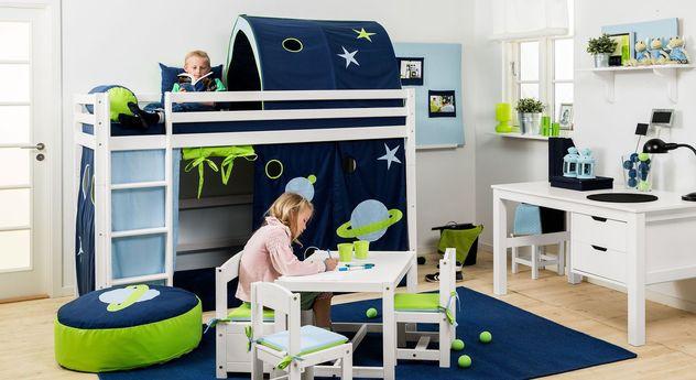 Sicheres mittelhohes Bett Weltraum optional mit Spielvorhang
