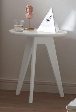 Moderner Nachttisch und Hocker Sola mit drei Füßen