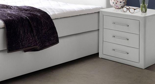 Nachttisch Rimori mit 3 Schubladen-Auszügen