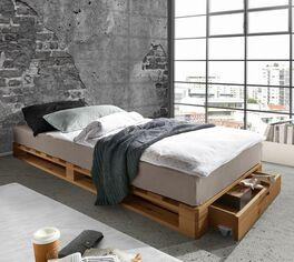 Palettenbett Nimba aus robustem Echtholz
