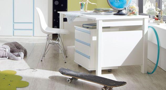 Schreibtisch Los Pinos mit modernen Seitenblenden
