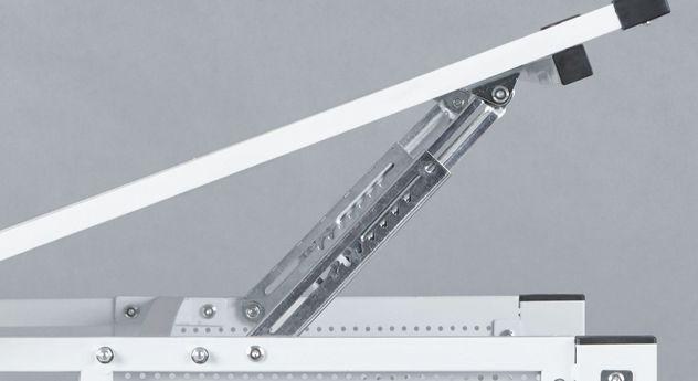 Robuster Schreibtisch Nico mit verstellbarer Tischplatte