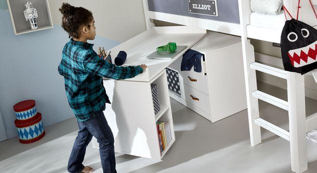 Platzsparender Schreibtisch Original drehbar von LIFETIME für kleine Kinderzimmer