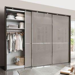 Schwebetüren-Kleiderschrank Butaco mit leichtgängigen Glastüren