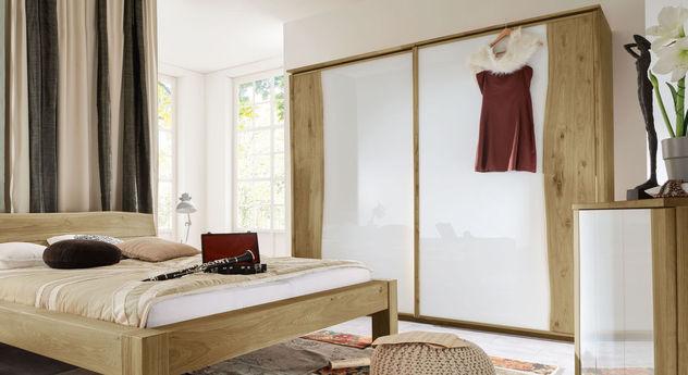 schwebet ren kleiderschrank wildeiche ge lt mit glasfront. Black Bedroom Furniture Sets. Home Design Ideas