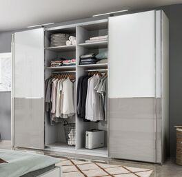 Schwebetüren-Kleiderschrank Shanvalley mit praktischer Innenausstattung