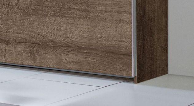 Schwebetüren-Kleiderschrank Surano mit eleganten Metall-Abschlussleisten