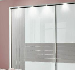 Schwebetüren-Kleiderschrank Waterbury mit dekorativer Glasfront