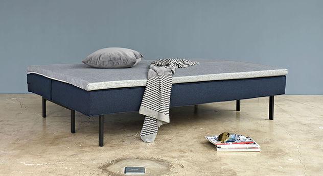 weicher kaltschaum topper mit waschbarem bezug f r schlafsofas. Black Bedroom Furniture Sets. Home Design Ideas