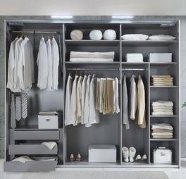 Nützliches Zubehör bei der Zusatzausstattung & Beleuchtung für Kleiderschränke